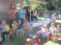 family_05_party